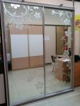 Шкаф-купе стандартной серии. Двери: пескоструй на зеркале серебро. Стоимость 43050 рублей.